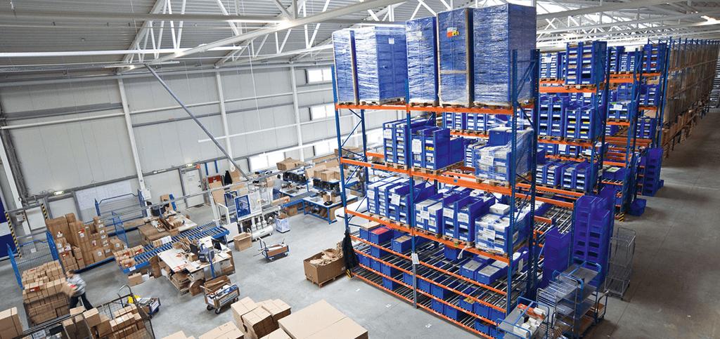 Autoteile Post erhöht die Lagerkapazität um weitere 4.000 qm Lagerfläche